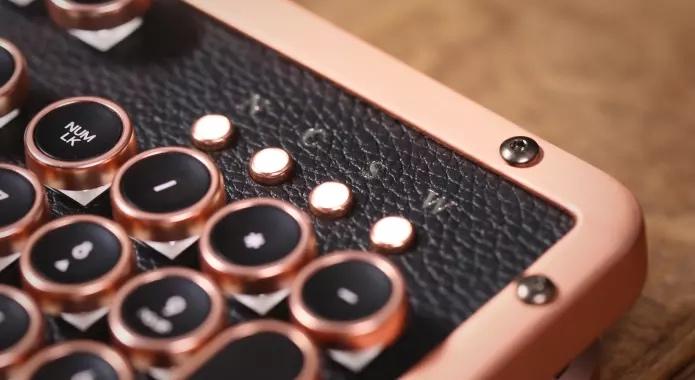 Azio luxury keyboard